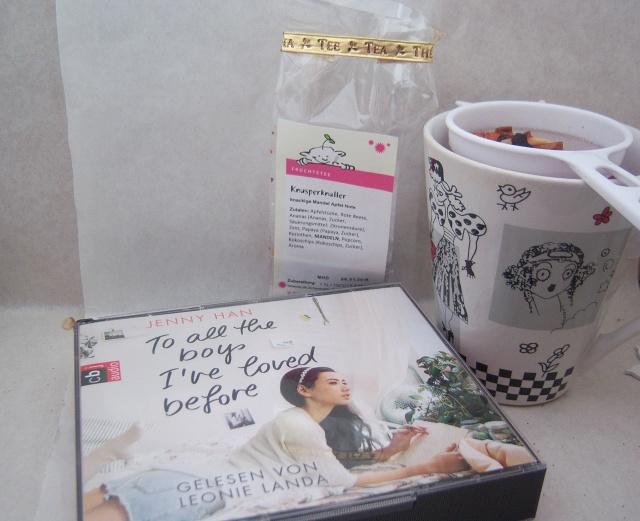 Mein aktuelles Hörbuch und mein aktueller Tee, der mega-super-duper schmeckt. High Five Knusperknaller!