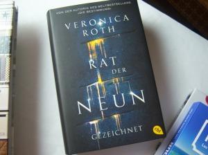 Veronica Roth: Rat der Neun-Gezeichnet
